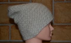 Alpakos vilnos balta kepurė